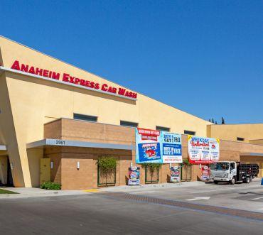 Tiệm rửa xe tự động - Anaheim Express Carwash
